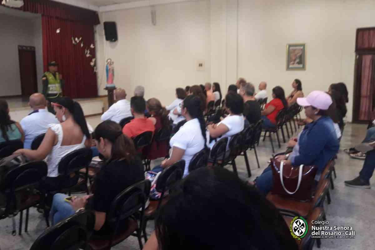 Escuela de padres Tips consumo Nuestra Señora del Rosario 2004
